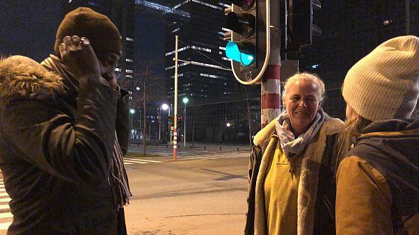 VİDEO - Belçikalılar göçmenlere kalacak yer sağlamak için yarışıyor: Dominique'in hikayesi