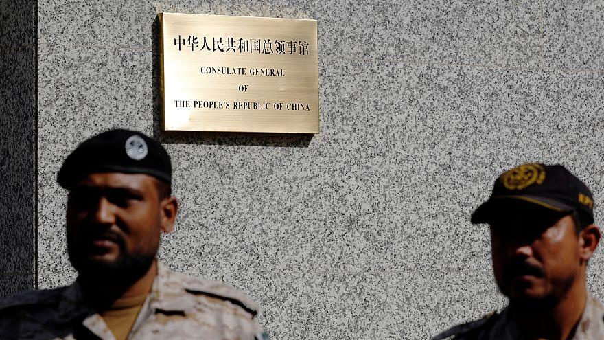 شاهد:  هجوم ثلاثة مسلحين انتحاريين على قنصلية الصين بباكستان