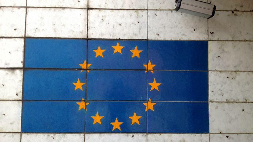 الاتحاد الأوروبي بصدد إنشاء مدرسة تجسس من بين 17 مشروعا دفاعيا مشتركا