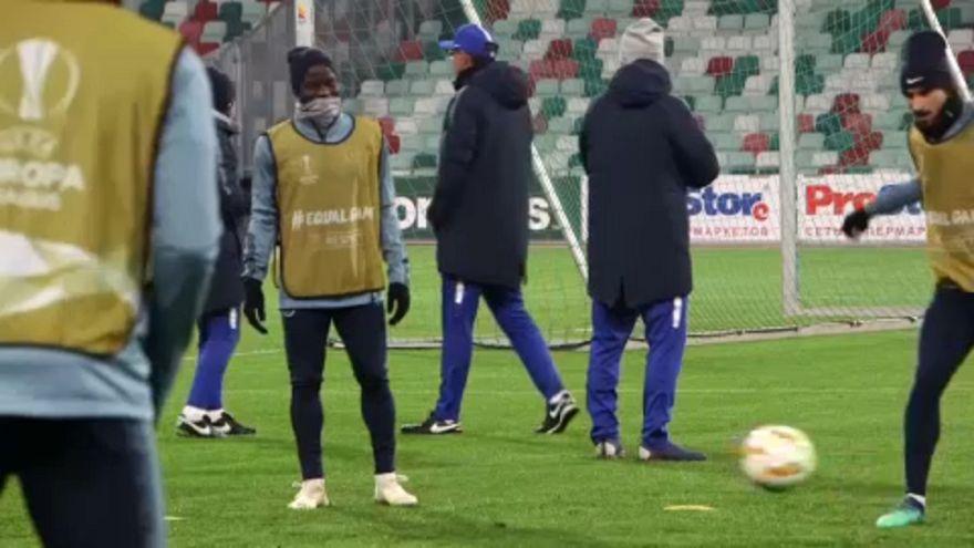 Nuevos contratos para los futbolistas N'Golo Kanté y Sadio Mané
