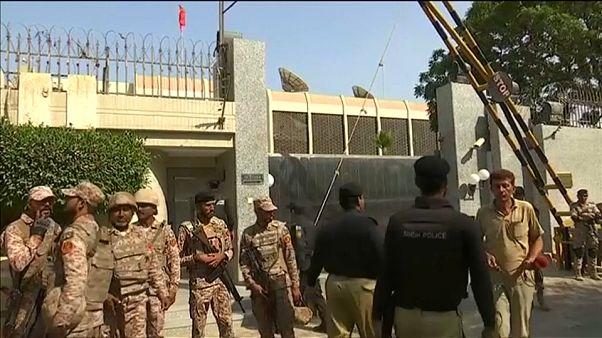 Violenza in Pakistan: attacco al Consolato cinese e bomba al mercato