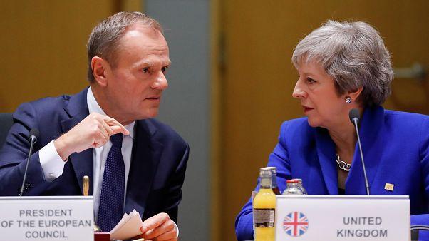 Οι ηγέτες της Ε.Ε. ενέκριναν τη συμφωνία για το Brexit