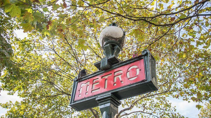Paris metrosunda doğan Osman'a 25 yıl ücretsiz toplu taşıma
