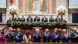 O Presidente de Angola aplaudido na Assembleia da República Portuguesa