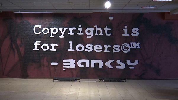 Jogvita vetett véget a brüsszeli Banksy-kiállításnak