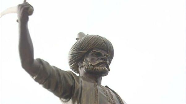 """الجزائر تُوثق تاريخها العثماني وتدشن تمثالا للقبطان عروج بربروس """"بابا عروج"""""""