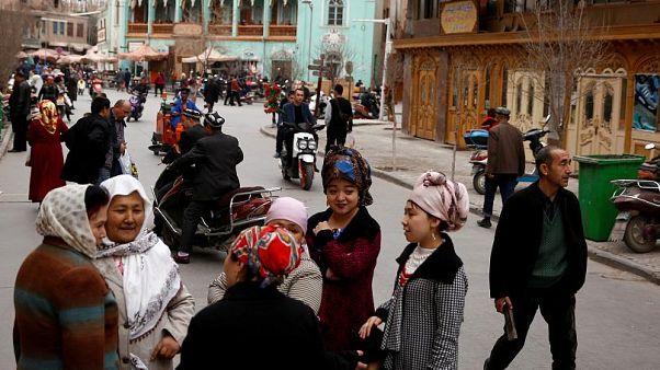 'Uygur Türklerinin evine din istihbaratı için bir milyondan fazla Çinli casus yerleştirildi'