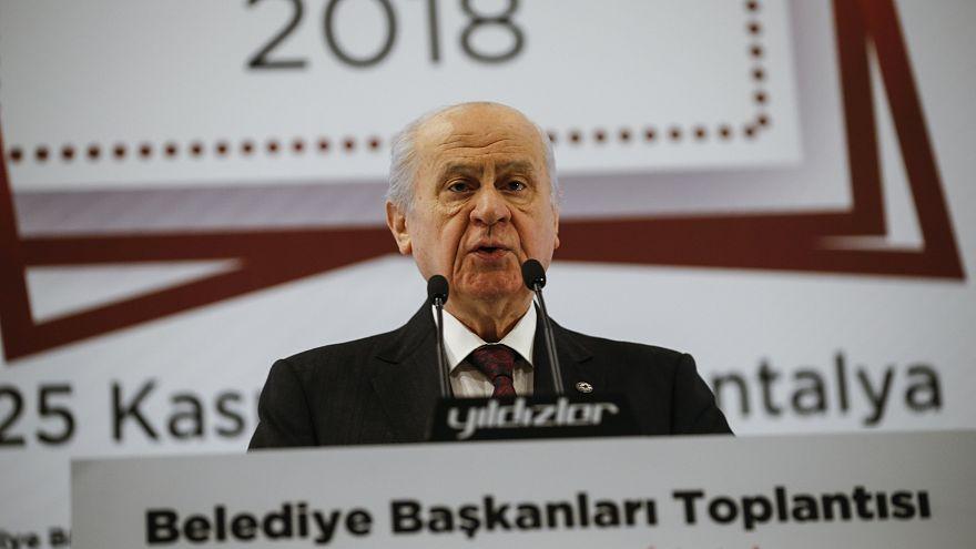 Erdoğan'dan üç büyükşehirde aday göstermeyeceklerini açıklayan Bahçeli'ye teşekkür