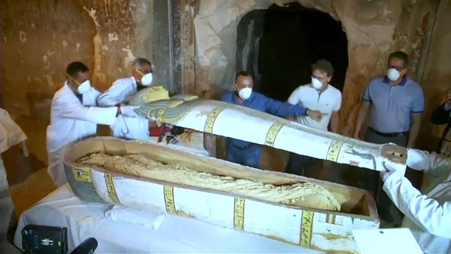 فيديو: هل سبق لك أن شاهدت ما تحتويه التوابيت الفرعونية ؟