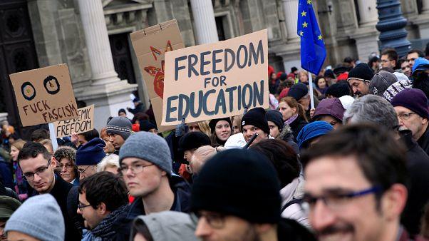 Πορεία φοιτητών κατά του Όρμπαν και υπέρ της παιδείας