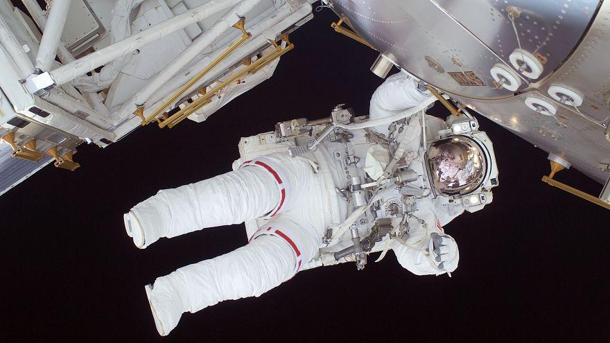 آیا روسیه میخواهد سفر فضانوردان آمریکایی به ماه را راستی آزمایی کند؟