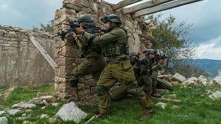 شاهد: الجيش الإسرائيلي يحاكي القتال مع حماس وحزب الله استعدادا لحالات الطوارئ والحرب