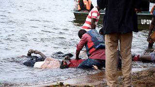 Uganda'da 84 yolcusu bulunan gemi battı: Çok sayıda ölü var