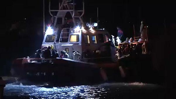 Pozzallo: 264 migranti sbarcati a Pozzallo. Salvini attacca Malta