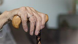 شکایت یک زن ۸۸ ساله از سرویس سلامت ملی بریتانیا به دلیل «تبعیض شغلی»