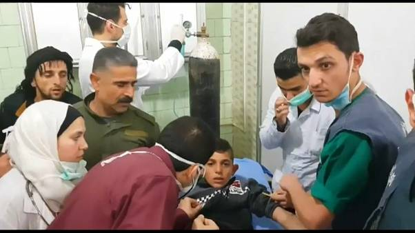 مدنيون بعد التعرض لغازات سامة في حلب
