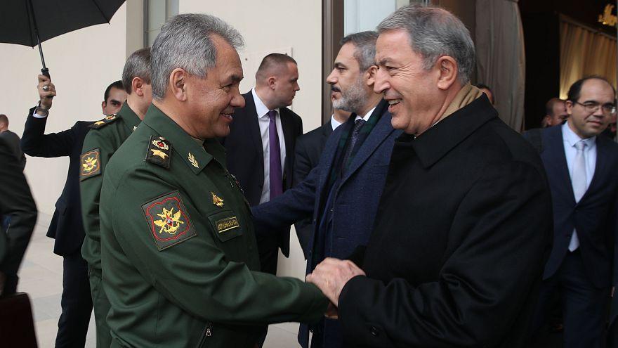 Halep'e kimyasal saldırı iddiasının ardından Türk ve Rus bakanlardan telefon görüşmesi