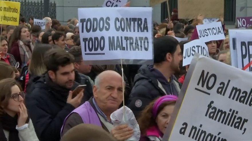 منع خشونت علیه زنان؛ راهپیمایی بنفشها در مادرید