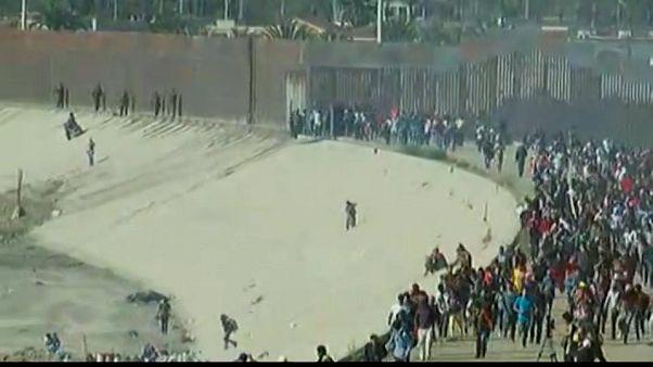 Repelidos con gas lacrimógeno un grupo de migrantes que trató de cruzar la frontera con EEUU