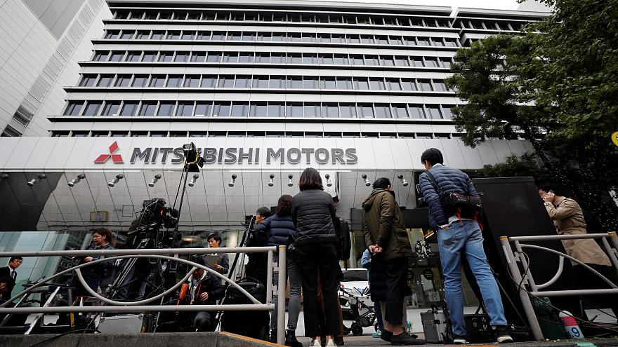 Mitsubishi también destituye a Ghosn como presidente