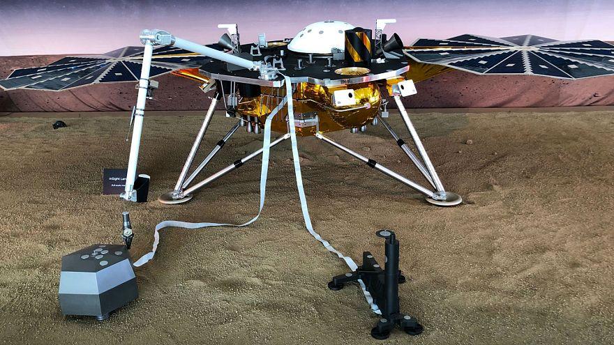 Исследовательский зонд НАСА InSight совершил посадку на Марс