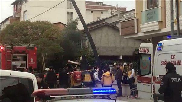 سقوط یک فروند هلیکوپتر ارتش ترکیه در استانبول چهار کشته و یک زخمی بر جای گ