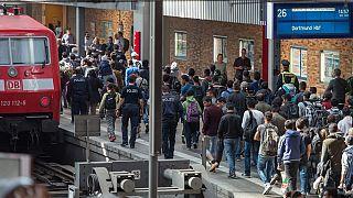 Almanya mültecilerin gönüllü olarak geri dönmeleri için kesenin ağzını açtı