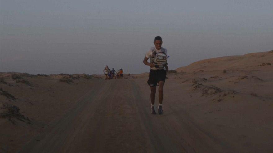 Rachid El Morabity vince la Maratona del Deserto dell'Oman