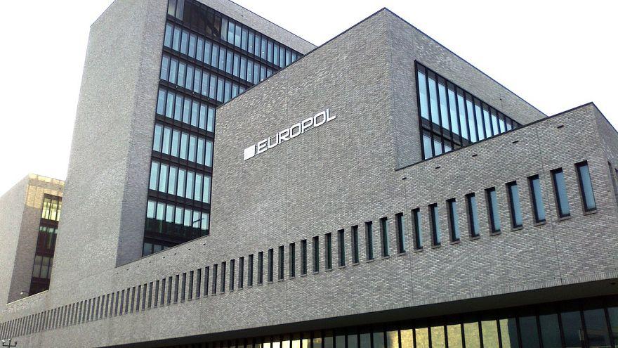 Europol bir yılda sahte ürün satan 33 bin 654 internet sitesini kapattı