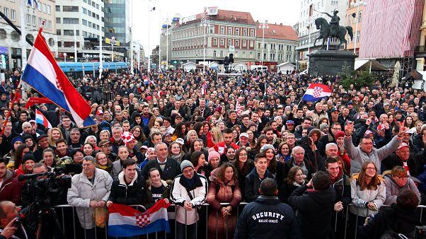 شاهد: الكرواتيون يحتفلون بفرقهم الفائز بكأس ديفيس لكرة المضرب