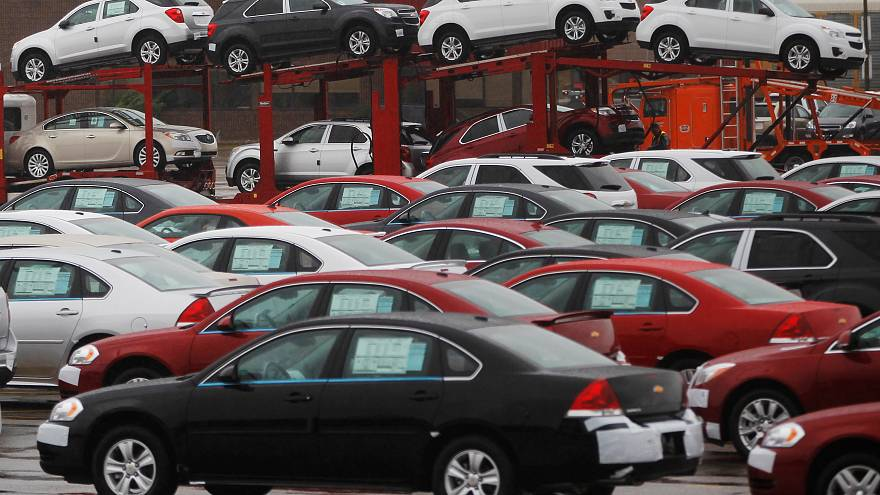 Η General Motors ανακοίνωσε κύμα απολύσεων και «πάγωμα» εργοστασίων