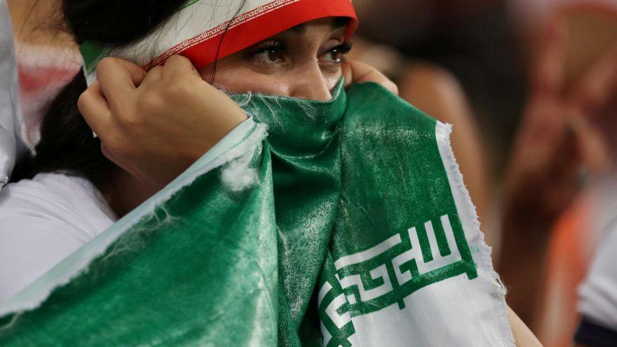 فیفا برای لغو ممنوعیت ورود زنان ایرانی به ورزشگاهها مهلت تعیین میکند