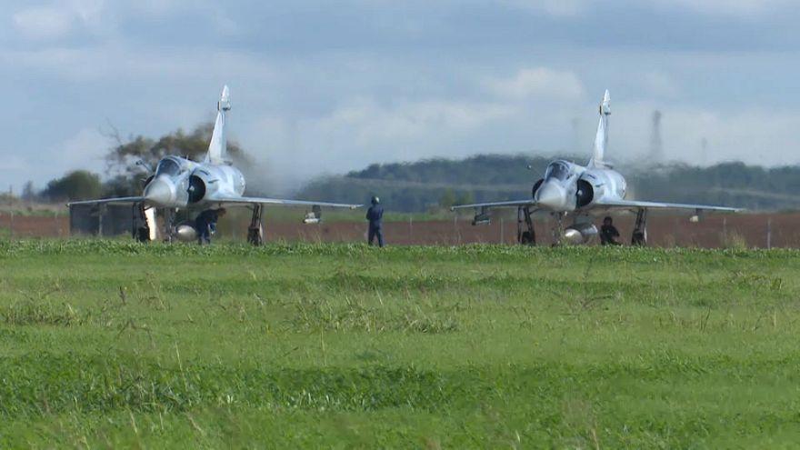 Pilotos gregos distinguem-se em manobras da NATO