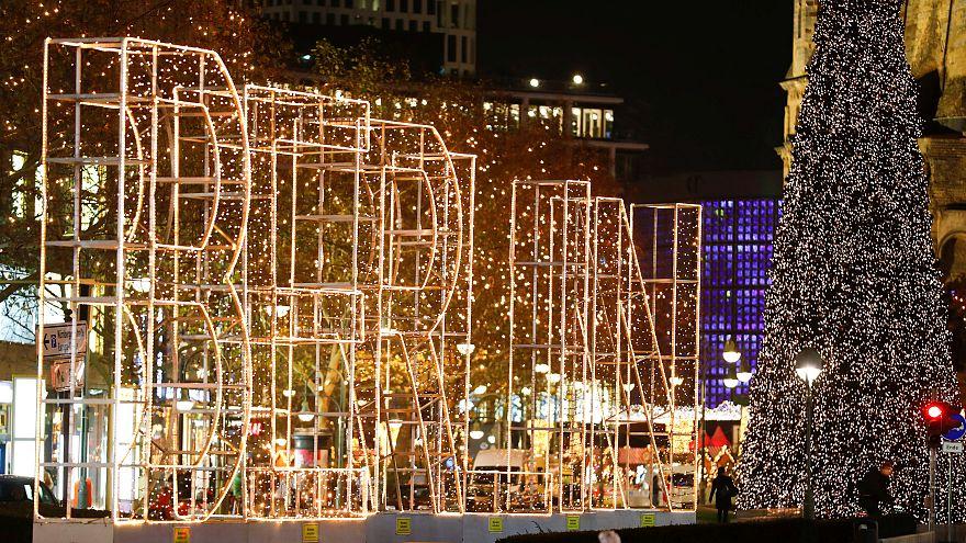 Βερολίνο  Άνοιξε η μεγάλη χριστουγεννιάτικη αγορά 8b69ebe5cae