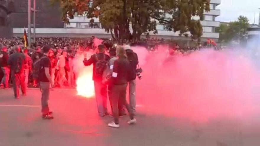 Protestas anti inmigración dejan varios heridos en Alemania
