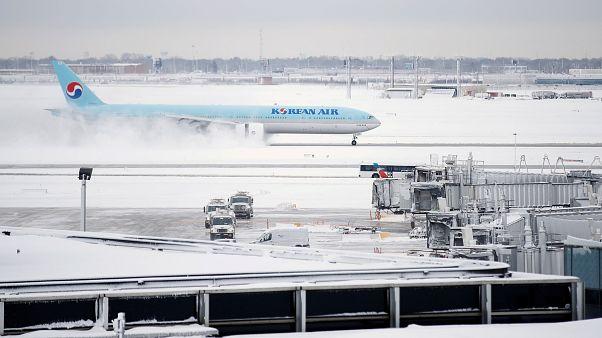 1.189 Flüge gestrichen: Schneesturm legt O'Hare-Flughafen in Chicago lahm