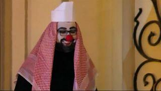 Pappnasen-Protest gegen bin Salman
