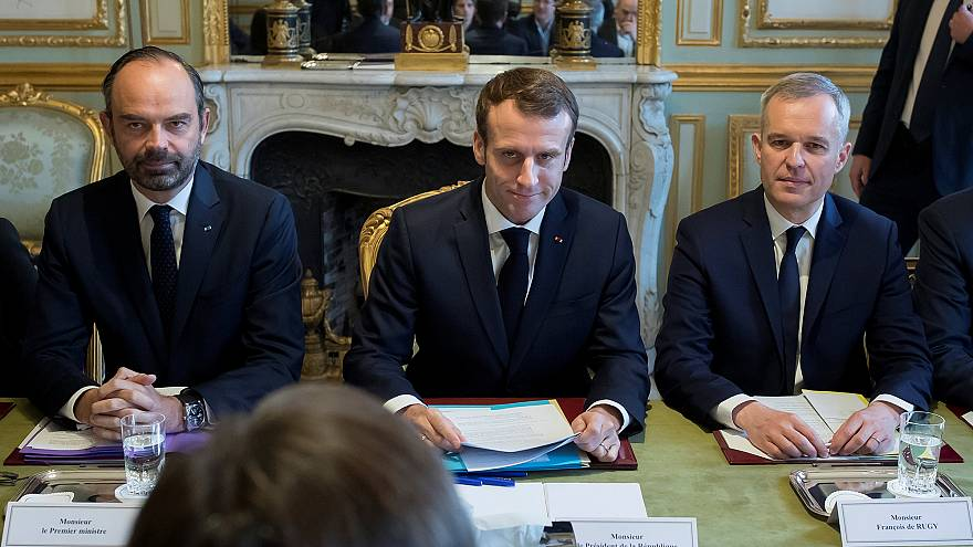 Fransa Cumhurbaşkanı Macron: 14 nükleer enerji santralini kapatacağız