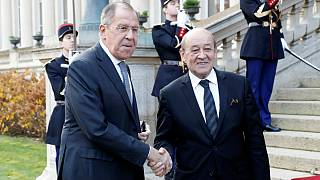 لاوروف در دیدار با لودریان: اوکراین باید از تحریک روسیه دست بردارد