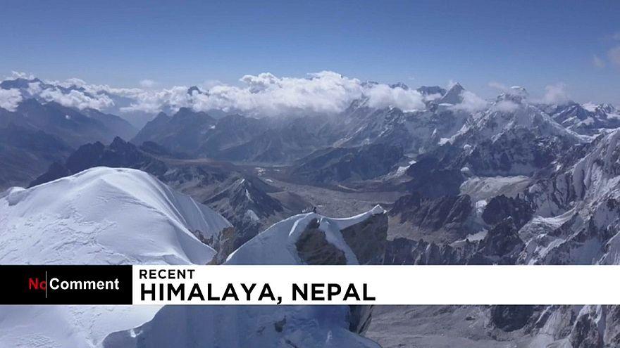 برای اولین بار در تاریخ؛ صعود یک نفره به قله لوناگ ری