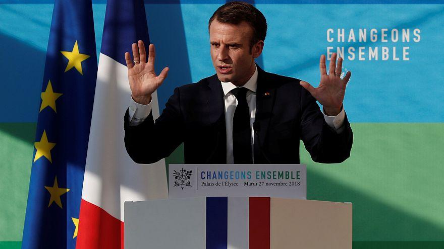 Macron: Yıkım ve düzensizlik isteyenlere karşı geri adım atmayacağım