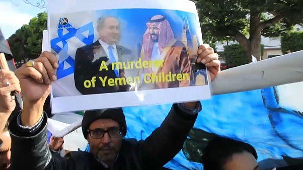 Protesta en Túnez contra la visita del príncipe saudí bin Salman