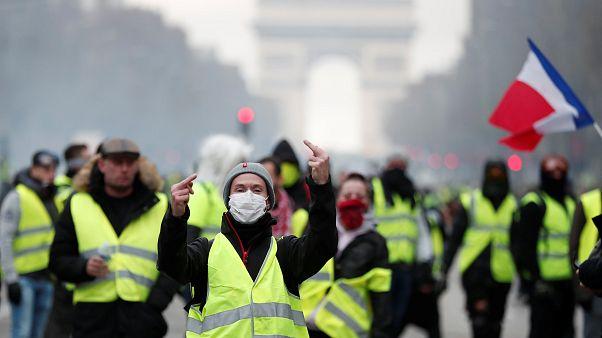 Trotz Zugeständnissen: Frankreichs Gelbwesten wollen weiter demonstrieren