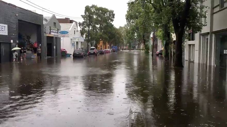 شاهد: فيضانات في سيدني وحرائق في كوينزلاند