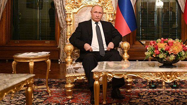 سفیر اوکراین در آلمان: پوتین را سر جایش بنشانید