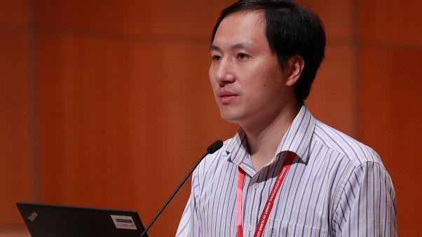 """عالم صيني يعلن عن متطوعة """"أخرى"""" حامل بجنين معدل وراثياً"""
