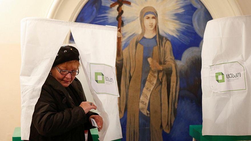 Présidentielle en Géorgie : l'ex-ambassadrice Zourabichvili donnée vainqueur
