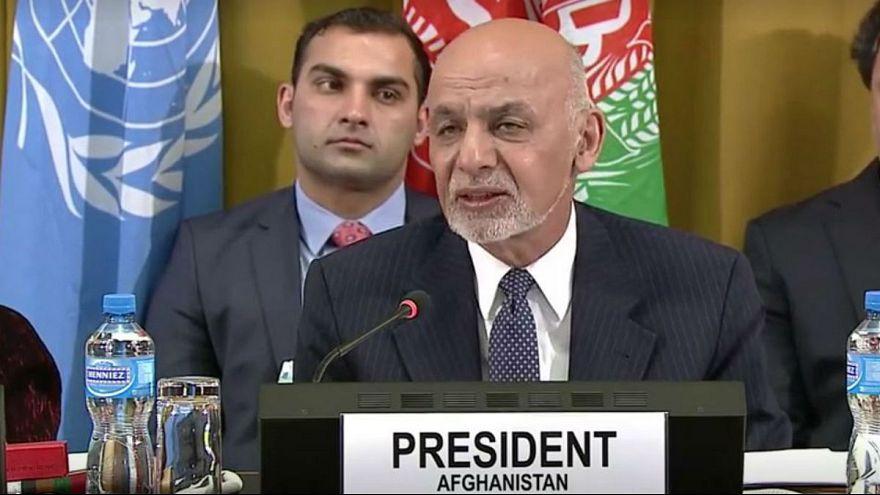 غنی: نقشه راه صلح افغانستان آماده شد؛ طالبان را به دموکراسی پایبند میکنیم
