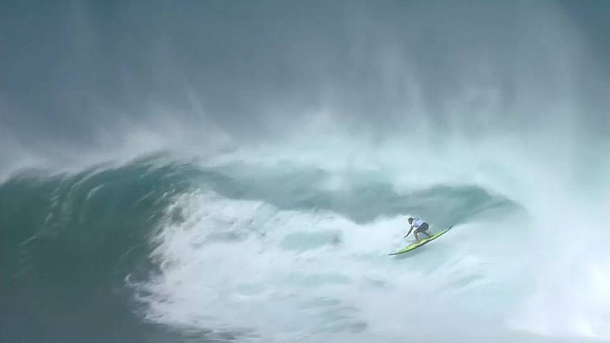 Surf: l'hawaiano Billy Kemper vince il Jaws Challenge