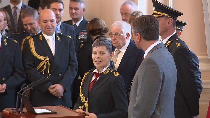 سلوفينيا تعين سيدة كقائد للجيش.. فما السبب؟